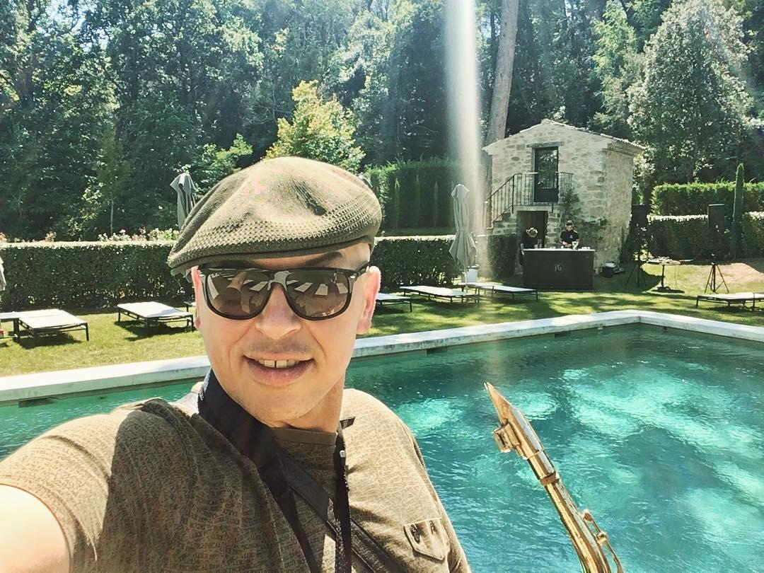Andy Sax Domaine de Fontenille Lauris France BBQ pool party